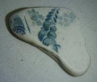 Hliněný střep, s modrozelenou malbou