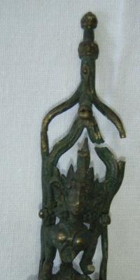Figurka božstva, pravděpodobně Indie, zhotovena z kovu